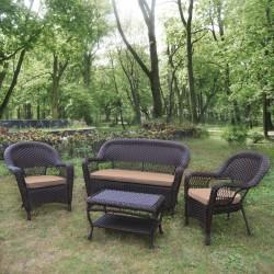 Плетеный диван с креслами и столиком для отдыха